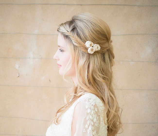 6-beautiful-floral-hair-accessories-that-are-perfect-for-country-garden-weddings-4-Ivory-Rose-Bud-Hair-Pins-Chez-Bec-£24-for-3