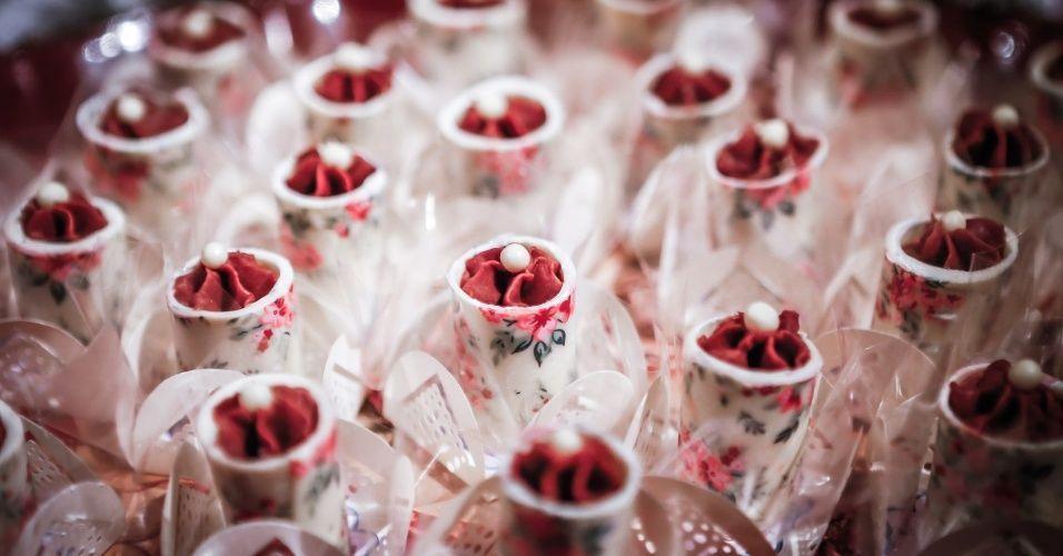 21mai2013---degustar-2013-docinho-de-maracuja-estampado-da-nana-lulu-cupcakes-1369233459935_956x500.jpg