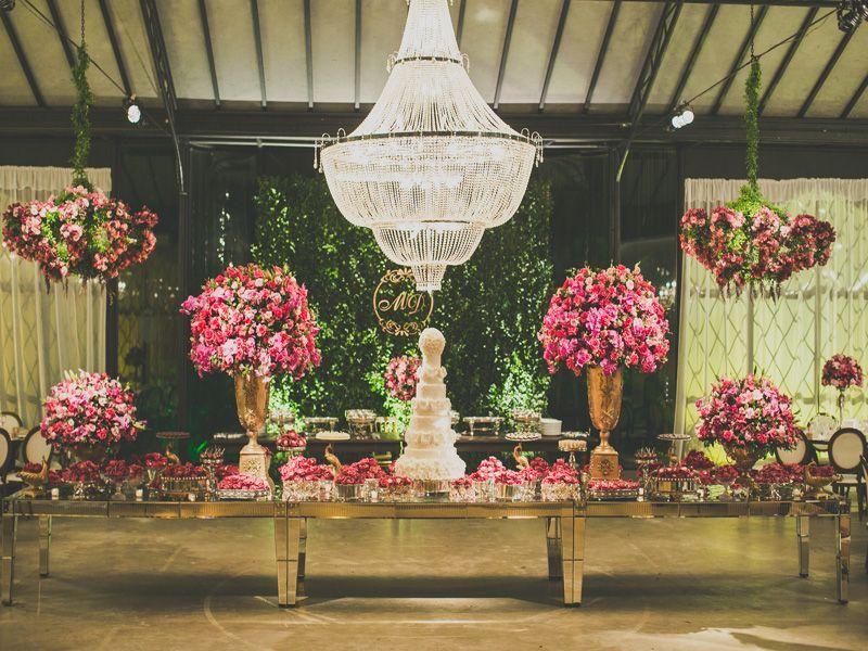 mesa-de-doces-casamento-na-serra-castelo-de-itaipava (1).jpg