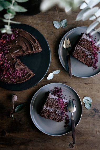 10-chocolate-and-beetroot-layer-cake-with-cacao-fudge-frosting-above.jpg