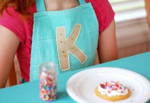 cookie_apron_model_product_main