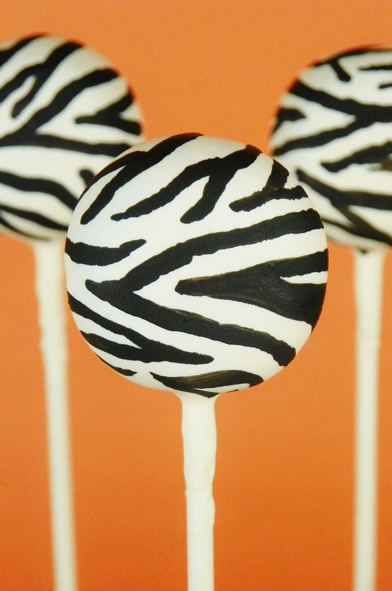 amazing-cake-pops-zebra-print.png