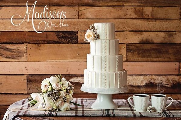 winter-wedding-cake-knitted-effect-from-Madisons-on-Main-Kevin-Paul-Photography.jpg