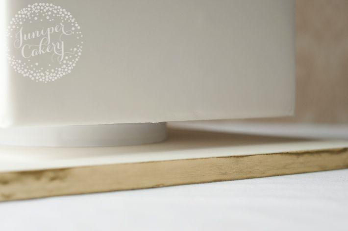 faux-cake-stand-juniper-cakery-6