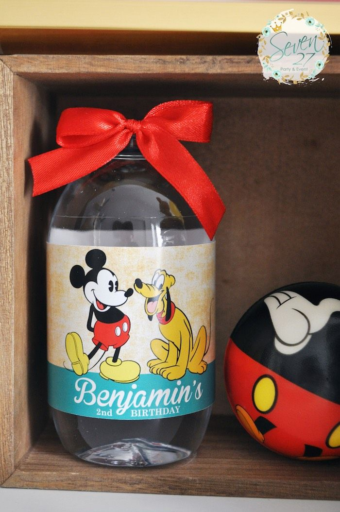 Vintage-Mickey-Mouse-Themed-Birthday-Party-via-Karas-Party-Ideas-KarasPartyIdeas.com22.jpeg