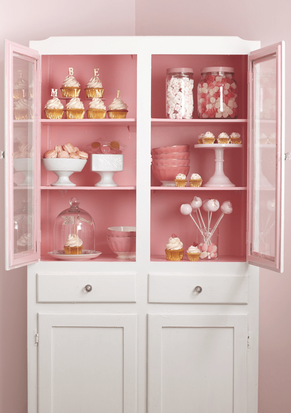 CAKE_cabinet1-2.png